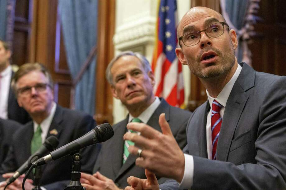 From right, Speaker of the House Dennis Bonnen, Gov. Greg Abbott and Lt. Gov. Dan Patrick announce a tax reform plan at the State Capitol in Austin, Wednesday, Jan. 31, 2019.(Stephen Spillman / for Express-News) Photo: Stephen Spillman / Stephen Spillman / For Express-News / stephenspillman@me.com