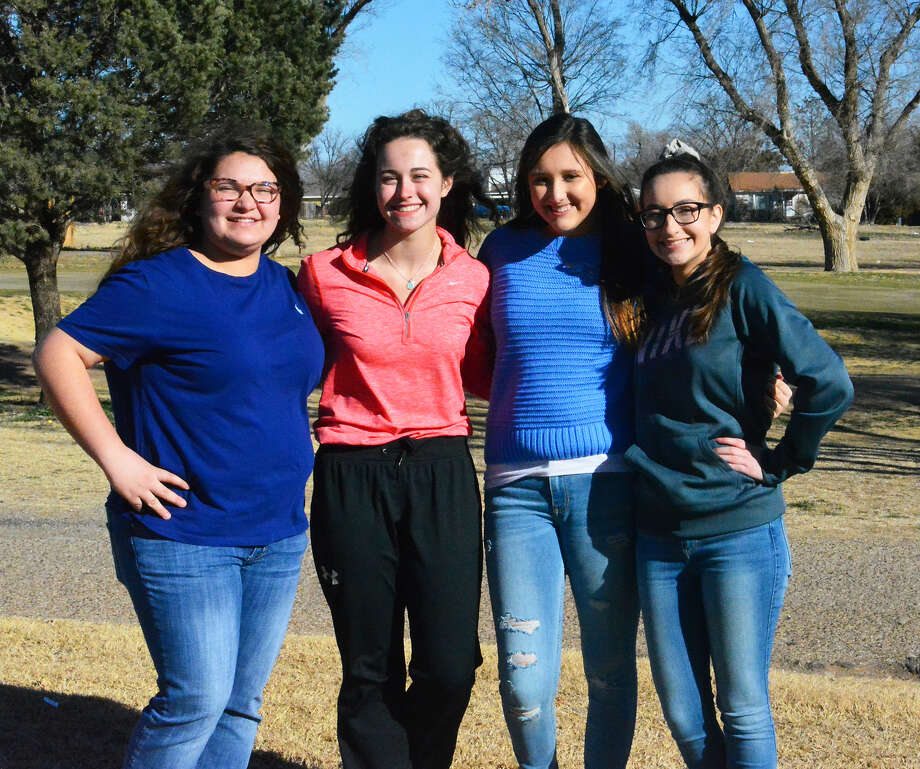 The 2019 Plainview Lady Bulldogs golf team competing in the season-opening San Angelo Invitational today includes (l-r): JazLee Ballesteros, Hannah Massingill, Kylie Carter and Lauren Mayo. Not pictured: Kamryn Gregory. Photo: Alexis Cubit/Plainview Herald
