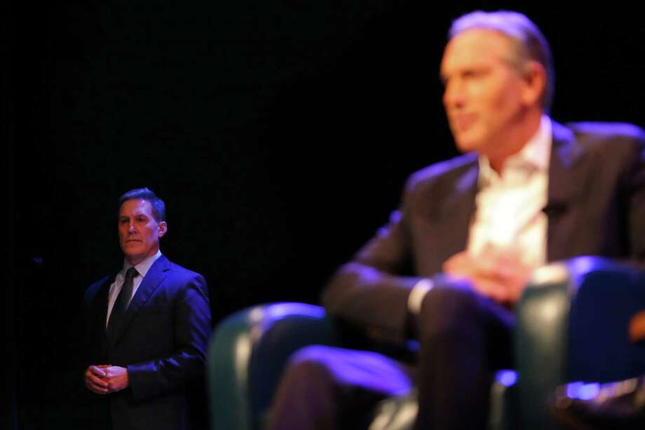 "Former Starbucks CEO Howard Schultz speaks at a Town Hall about his new book, ""From the Ground Up"" and his potential Independent Presidental campaign, Thursday, Jan. 31, 2019. He has lately put campaign on hold. Photo: Genna Martin, Genna Martin, Seattlepi.com / SeattlePI"
