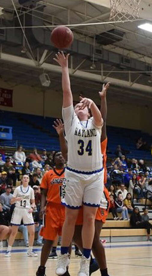 Wayland Baptist Flying Queens sophomore forward Kaylee Edgemon penetrates the lane for a layup against Langston on Thursday night at Hutcherson Center in Plaonview. Photo: Claudia Lusk/Wayland Baptist University