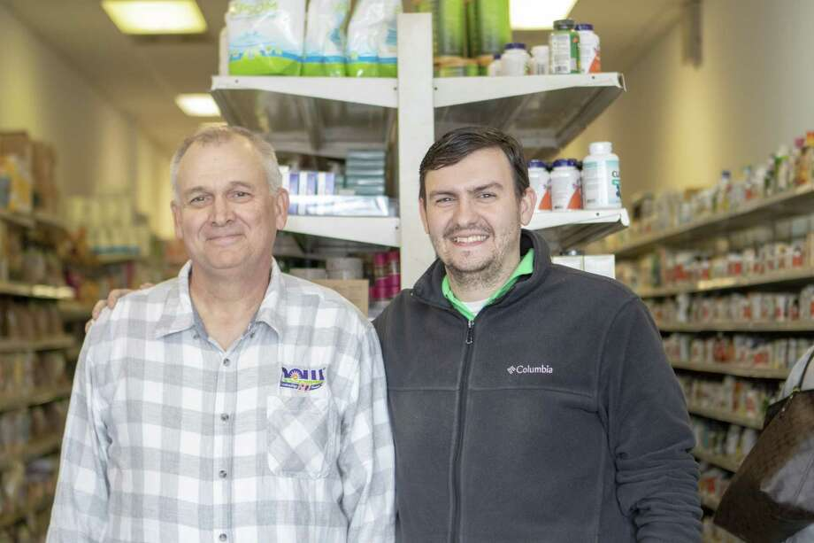 Granary Health Foods owner Perry Worthen, left, and manager Wynn Worthen Thursday, Jan. 31, 2019 at Granary Health Foods old location in Conroe. Photo: Cody Bahn, Houston Chronicle / Staff Photographer / © 2018 Houston Chronicle
