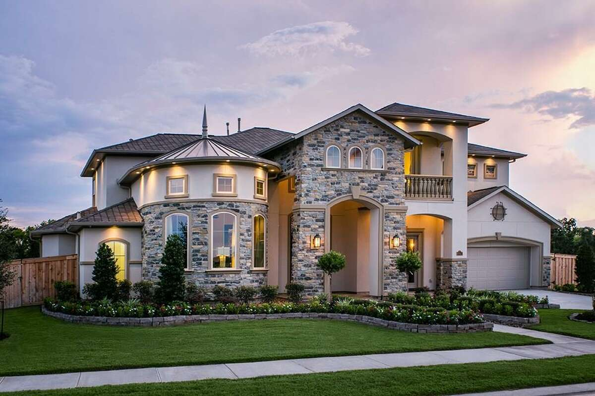 The report showed that luxury new-builds were more likely to offer a price reduction. >>>See never-lived-in luxury home new constructions in the Houston suburbs.