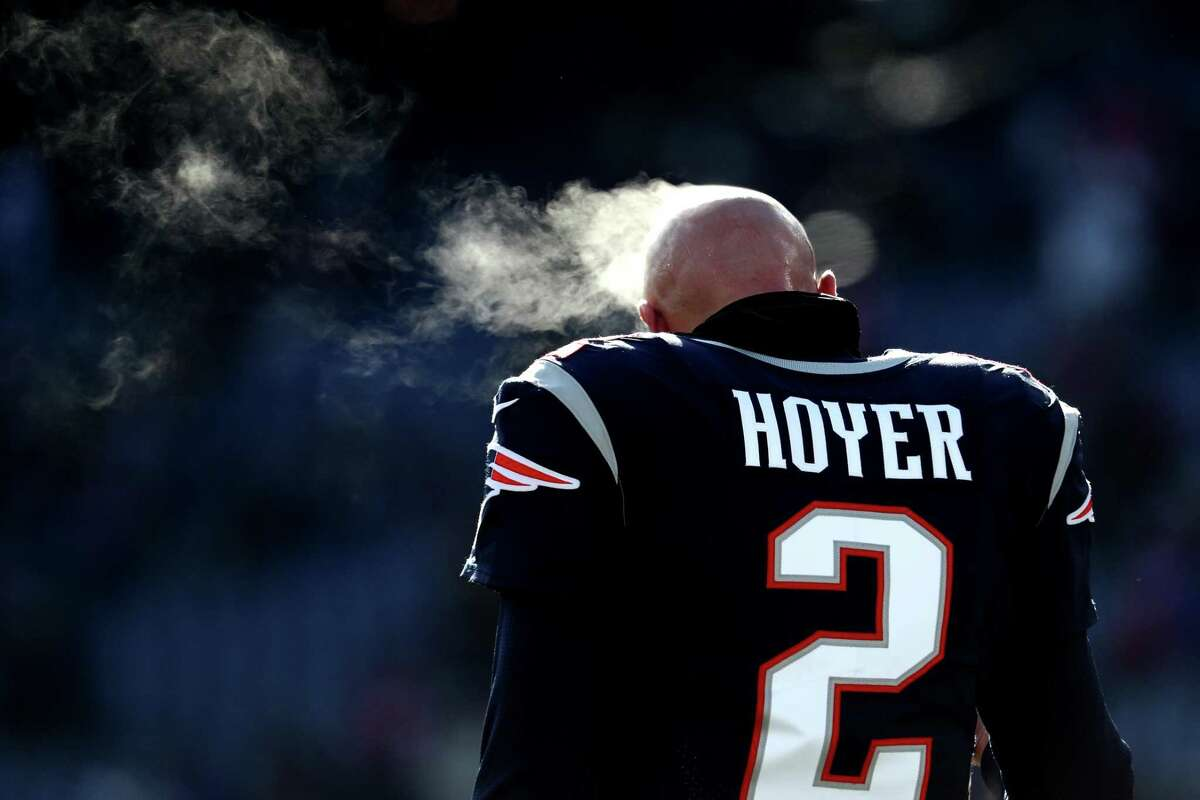 FOXBOROUGH, MASSACHUSETTS - JANUARY 13: Brian Hoyer #2 of the New England Patriots looks on before the AFC Divisional Playoff Game against the Los Angeles Chargers at Gillette Stadium on January 13, 2019 in Foxborough, Massachusetts. (Photo by Al Bello/Getty Images)