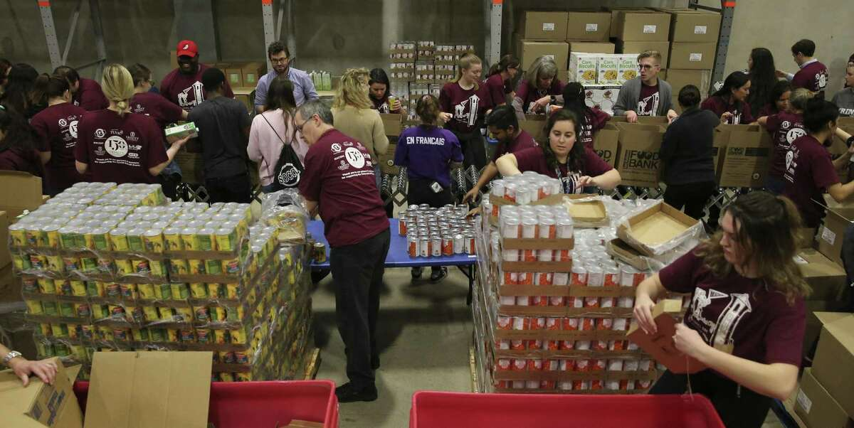 27.SAN ANTONIO FOOD BANK Sector: Food Bank SA area employees: 235 Interesting facts: One of the largest food banks in the Feeding America national network of 205 food banks and 14th largest in the U.S. Benefits: 100% of medical, dental, and vision for employees and a generous retirement plan.