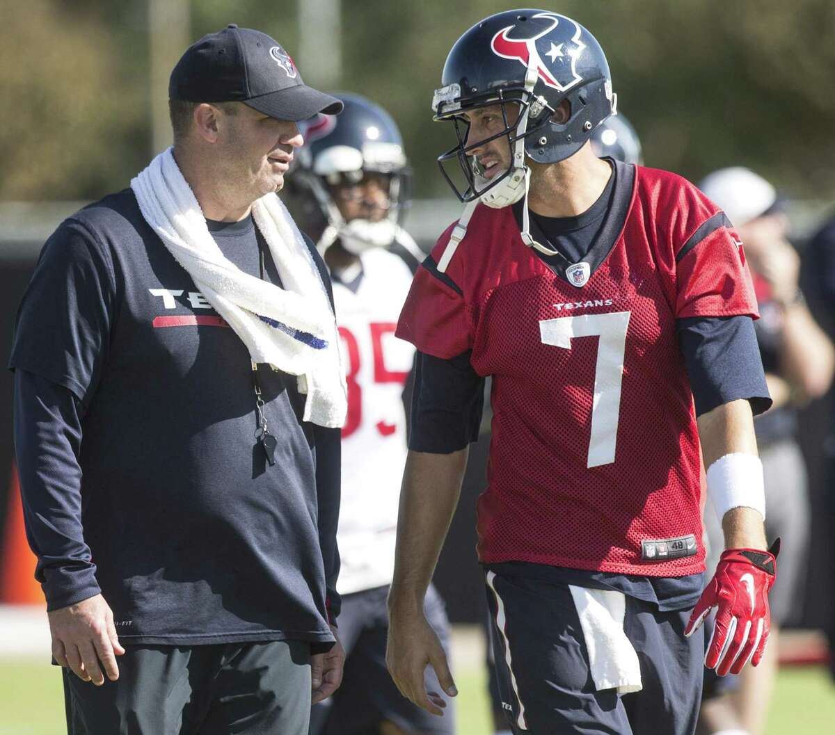 Texans coach Bill O'Brien earns a vote of confidence from Brian Hoyer, right, who was O'Brien's quarterback in 2015 and now backs up Tom Brady with the Patriots.