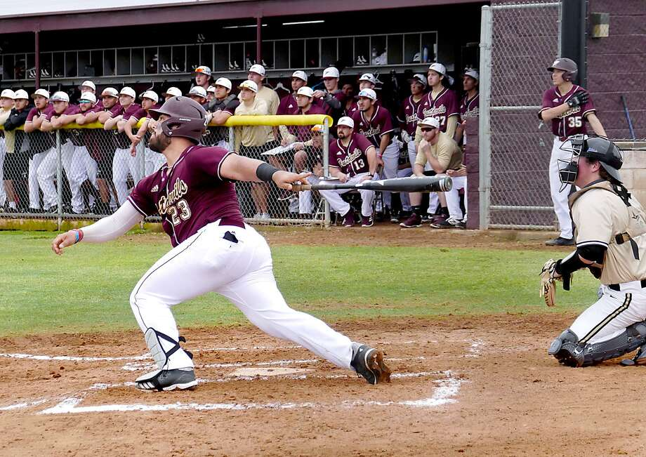 Matthew Rosales had a team-high three hits as TAMIU set season highs with 13 hits and 10 runs in a 10-8 win on the road over Houston-Victoria. Photo: Cuate Santos /Laredo Morning Times File / Laredo Morning Times