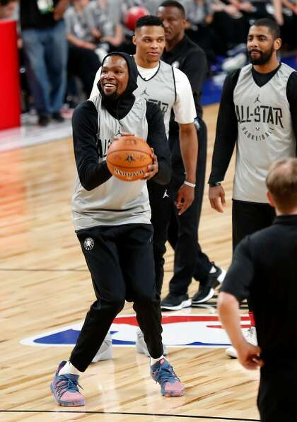 422610d6bea5 Kevin Durant can sympathize with Anthony Davis  plight - SFChronicle.com