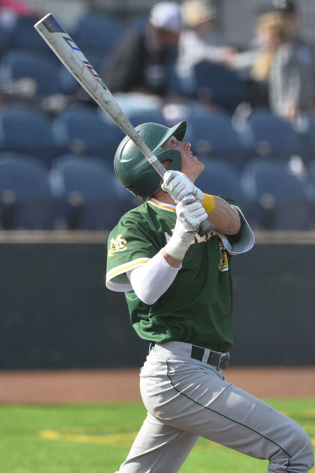 Midland College's Deylan Pigford (6) hits against McLennan Community College Feb. 2, 2019, at Christensen Stadium. James Durbin / Reporter-Telegram Photo: James Durbin / Midland Reporter-Telegram / ? 2019 All Rights Reserved