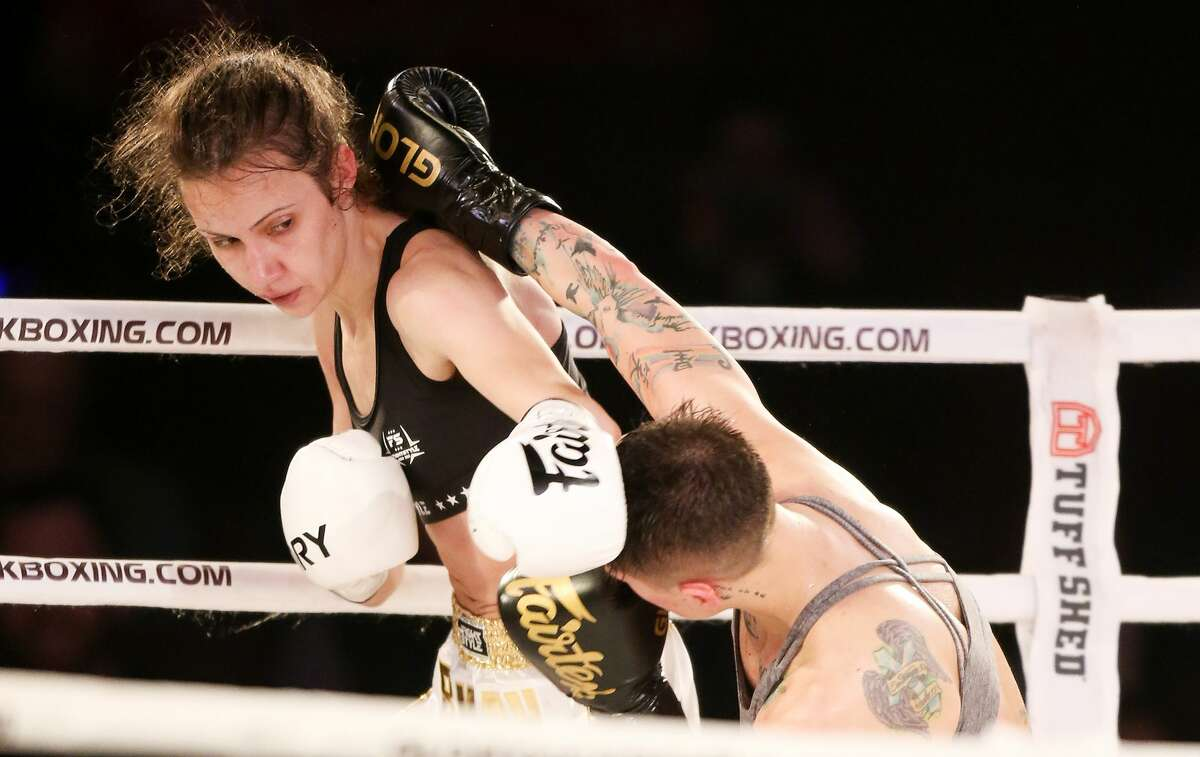 Bekah Irwin avoids a hit by Stephanie Skinner during Glory 63 at the Arena Theatre in Houston on Thursday, Feb. 1, 2018. Irwin defeated Skinner by unanimous decision of 30-27.