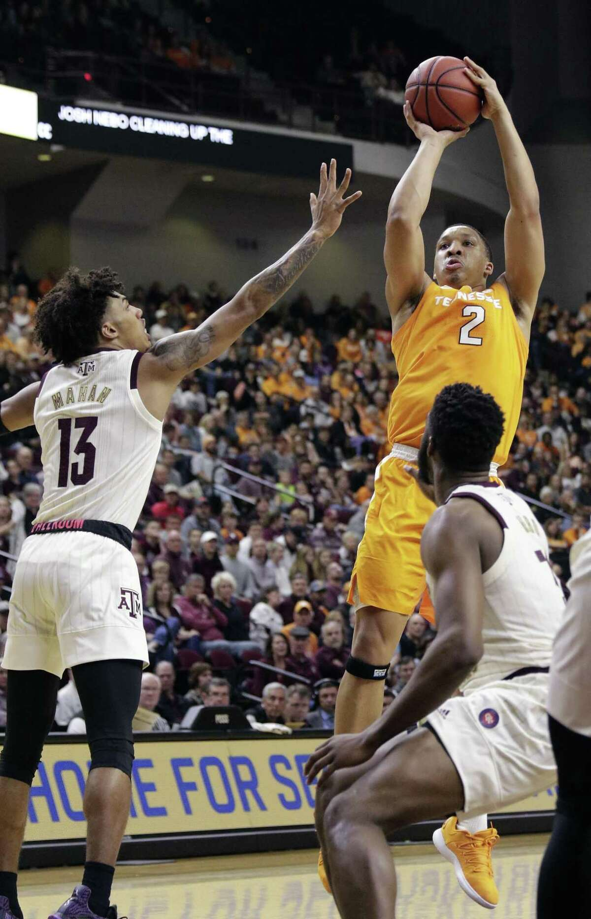 Tennessee forward Grant Williams (2) did a little bit of everything for the Volunteers, leading the team with 22 points, adding 10 rebounds and 4 assists.