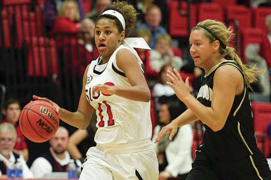 SIUE's Micah Jones (left) scored a season-best 22 points as the Cougars defeated Eastern Kentucky 74-55 Saturday at the Vadalabene Center. Photo: SIUE Athletics