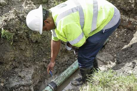 Tomball soon will begin a sewer cleanup project following Monday night's City Council approval.