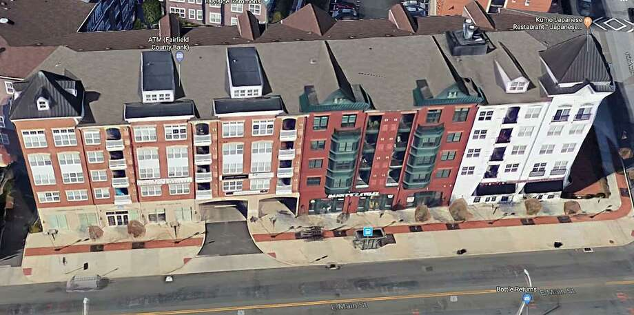 A small fire broke out on the third floor of an East Side apartment building on Monday, Feb. 4, 2019 in Stamford. The building was evacuated. Firefighters forced entry into the unoccupied third-floor apartment and quickly extinguished the fire before it could spread throughout the building. Photo: Google Street View Image.