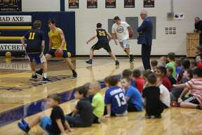 Bad Axe elementary students in kindergarten through second grades took part in a youth basketball camp over the past month. Monday, the group got to practice with the Bad Axe varsity team.