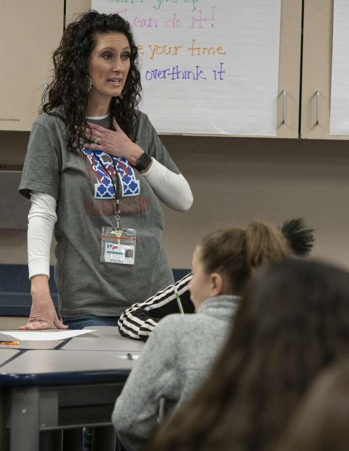 Fourth grade teacher Mindy Sellers works with her students 01/25/19 at Rusk Elementary. Tim Fischer/Reporter-Telegram Photo: Tim Fischer/Midland Reporter-Telegram
