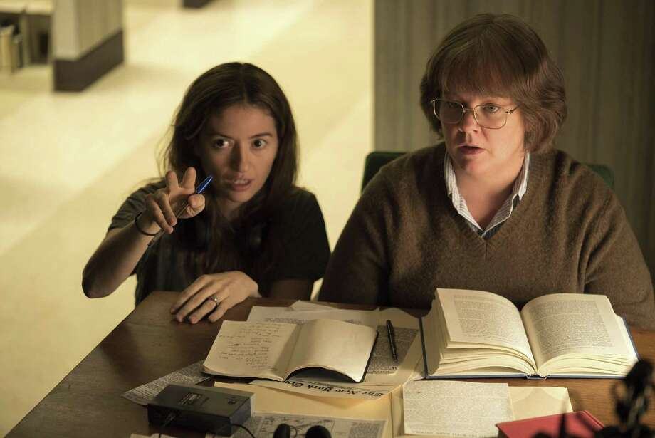 "Melissa McCarthy (right, with Marielle Heller) turns to crime in ""Can You Ever Forgive Me?"" Photo: Mary Cybulski /Associated Press / Fox Searchlight Pictures"