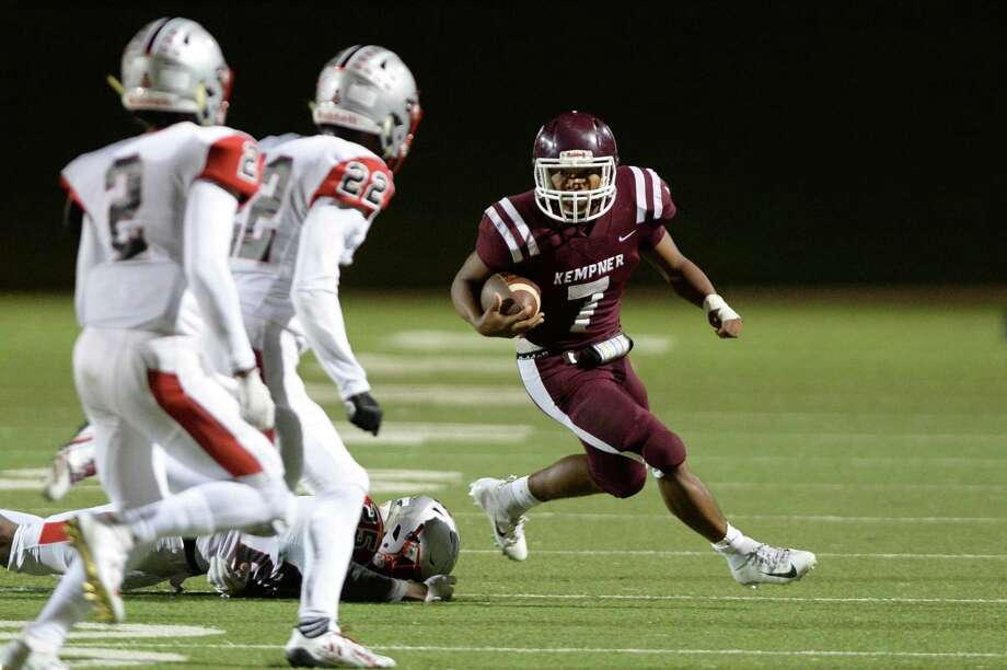 Jordan Shelton (7) of Kempner carries a ball in the second quarter of a high school football game between the Kempner Cougars and the Travis Tigers on Thursday, November 1, 2018 at Mercer Stadium, Sugar Land, TX. Photo: Craig Moseley, Houston Chronicle / Staff Photographer / ©2018 Houston Chronicle
