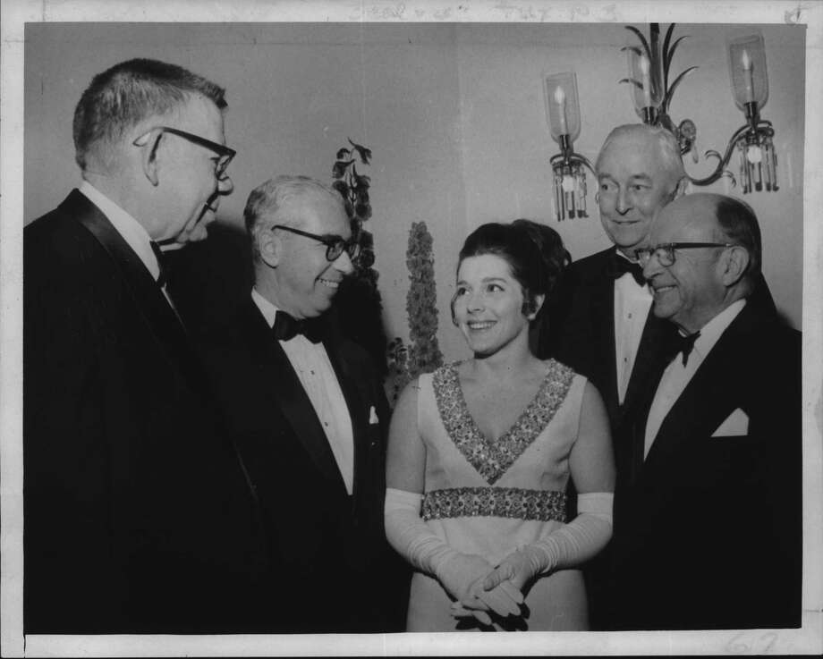 When the Albany County Bar Association hosted a formal event in New York in January 1971, Polly Rutnick was front and center. The original caption in the Times Union archives describes those in attendance: Richard Graham Jr., retiring president; Honorable Stanley H. Fuld, Chief Judge; Mrs. Douglas Rutnik, Assistant Corporate Council for City of Albany; J. Clarence Herlily, and Honorable James Gibson. / http://hipe.historicimages.com/images/tua/tua60280b.jpg