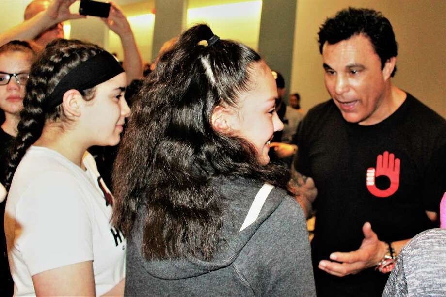 Former WWE superstar and four-time boxing champ Marc Mero visited Seymour Middle School Tuesday. Photo: Jean Falbo-Sosnovich / For Hearst Connecticut Media