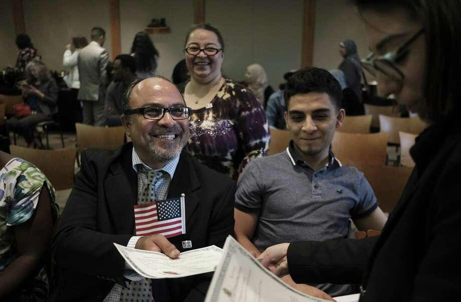 Voter purge ill-advised - San Antonio Express-News