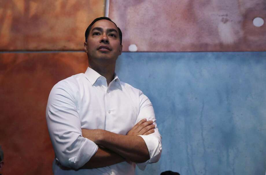 To make the cut in a crowded Democratic field, Julián Castro will have to throw some elbows. Photo: Charles Krupa /Associated Press / Copyright 2019 The Associated Press. All rights reserved