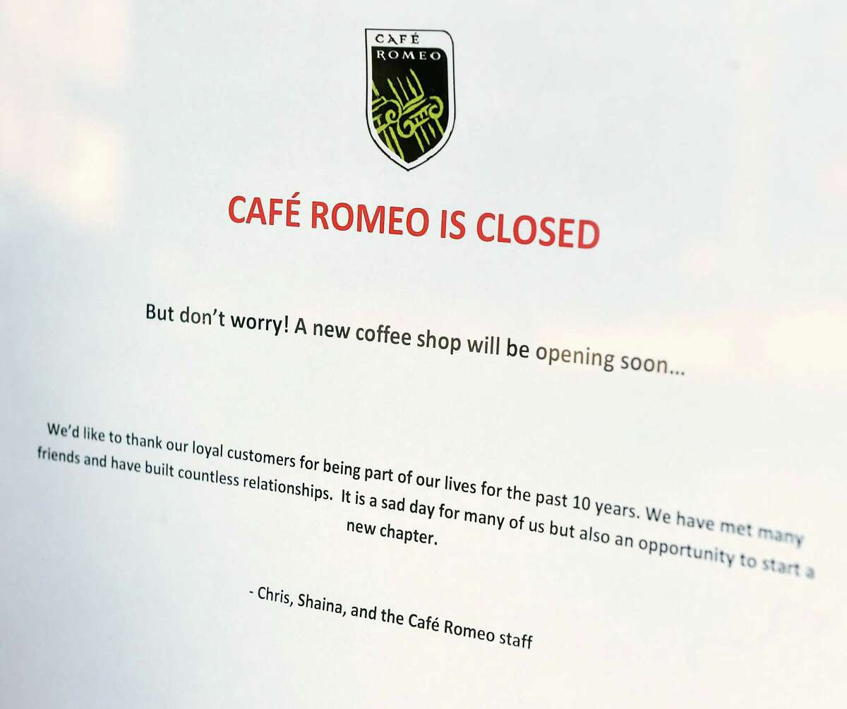 A sign on the door of Cafe Romeo at 534 Orange St. in New Haven notifies customers of their closing Feb. 5, 2019.