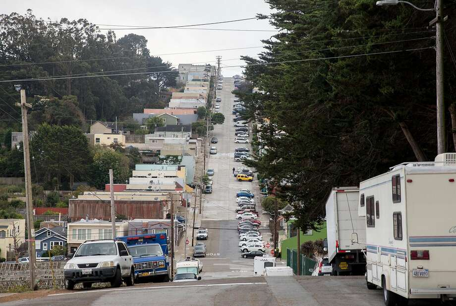 Multiple RVs and cars are seen parked along Bowdoin Street near North Basin reservoir in the Portola neighborhood of San Francisco, Calif. Tuesday, Oct. 9, 2018. Photo: Jessica Christian / The Chronicle