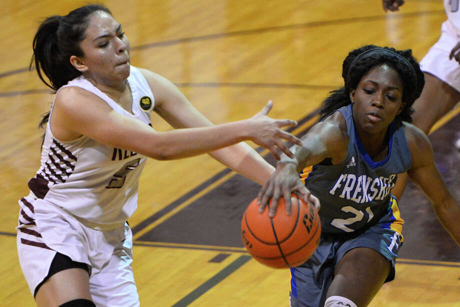 Class 6A Lee (19-15, T2) at El Paso Franklin (25-5, R1), 7 p.m. Tuesday  Photo: James Durbin / ? 2019 Midland Reporter-Telegram. All Rights Reserved.