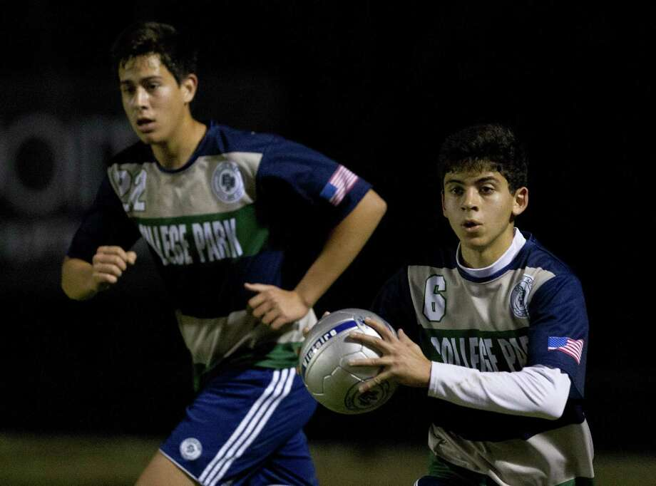 FILE PHOTO — College Park defender Pedro Romero (6) throws the ball in bounds during the first period of a District 15-6A high school soccer match at College Park High School, Friday, Jan. 25, 2019, in The Woodlands. College Park played to a 1-1 draw against Oak Ridge on Tuesday. Photo: Jason Fochtman, Houston Chronicle / Staff Photographer / © 2019 Houston Chronicle