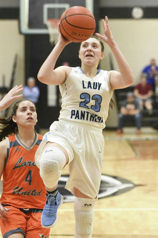 Priscilla Cantu and United South travel to Roma for a 7 p.m. game Thursday in the area round against Weslaco. Photo: Danny Zaragoza /Laredo Morning Times File