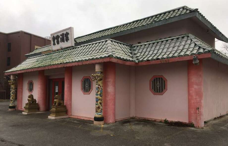 After 23 years in business, King's Palace at 3304 Broadway has closed for business. But a note posted on the front door said that there are plans to return to a new location nearby. Photo: Chuck Blount / Staff