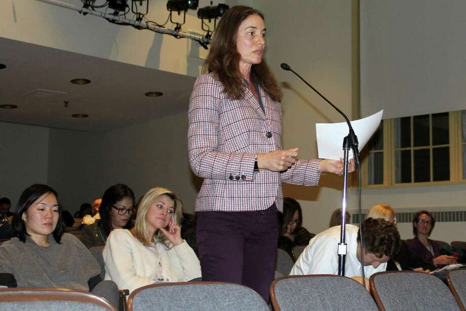 Parent Michelle Benner spoke at the Board of Education meeting in Westport Town Hall on Feb. 4. Photo: Sophie Vaughan / Hearst Connecticut Media / Westport News