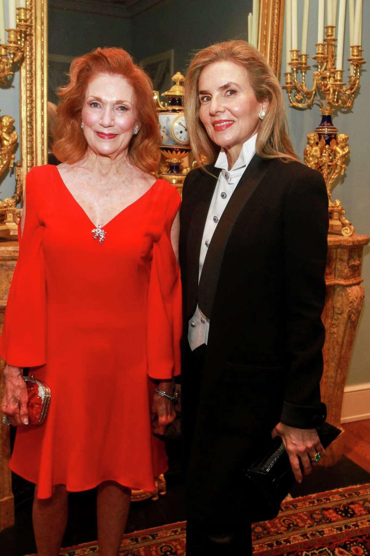 Isla Reckling, left, and Celina Hellmund at MFAH's annual Rienzi Society dinner.