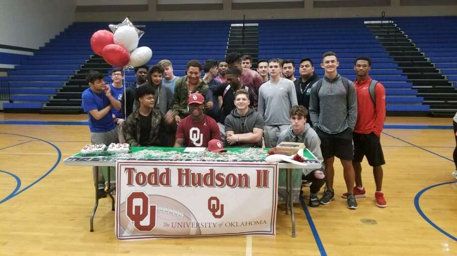 Clear Springs running back Todd Hudson II has signed a national football letter of intent with the University of Oklahoma. Photo: Submitted Photo