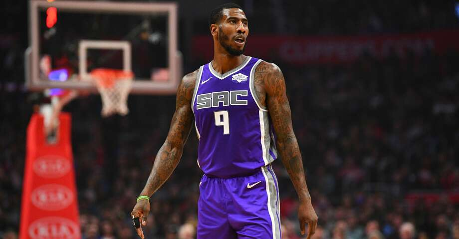 LOS ANGELES, CA - DECEMBER 26: Sacramento Kings Forward Iman Shumpert (9) looks on during a NBA game between the Sacramento Kings and the Los Angeles Clippers on December 26, 2018 at STAPLES Center in Los Angeles, CA. (Photo by Brian Rothmuller/Icon Sportswire via Getty Images) Photo: Icon Sportswire/Icon Sportswire Via Getty Images