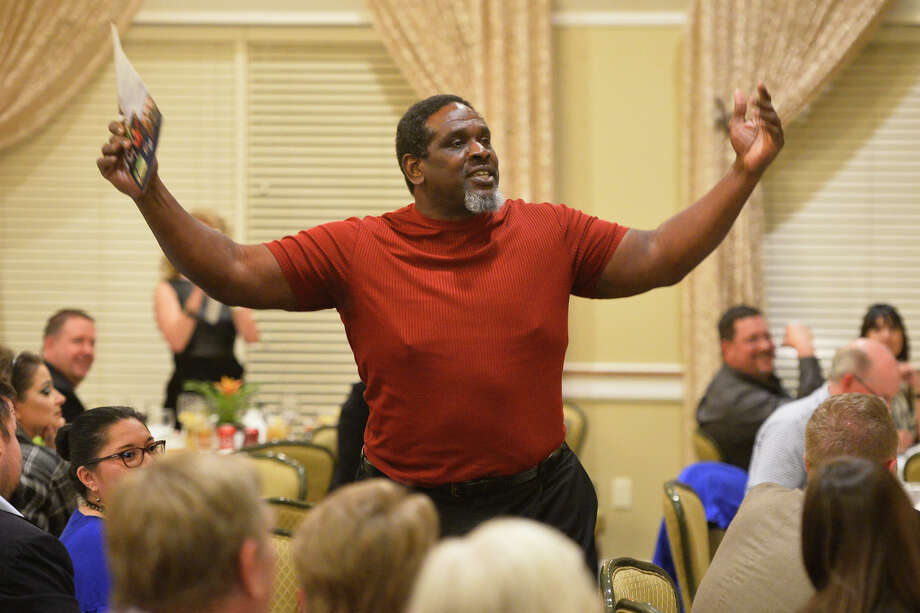Nate Newton, former Dallas Cowboys linebacker, tells stories about his experiences as a football player during the West Texas Sports Banquet which also featured Frank Tanana, former Major League Baseball pitcher, Feb. 6, 2019, at Midland Country Club.  James Durbin/Reporter-Telegram Photo: James Durbin / ? 2019 Midland Reporter-Telegram. All Rights Reserved.