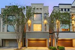 3 Bedroom 3.5 Bath Townhome w Private Pool Oasis Price: $149 per nightBedroom: 3Bathroom: 3.5Guests: 6