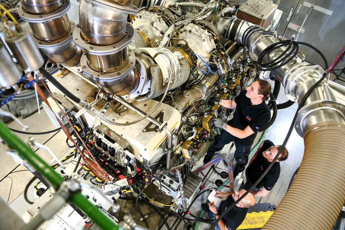 Worst:Automotive service technicians and mechanics