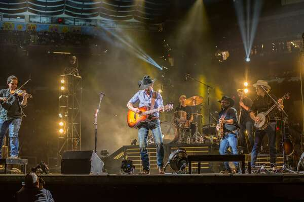 San Antonio kicked up their boots at the Stock Show & Rodeo as country music star Aaron Watson performed Thursday night.