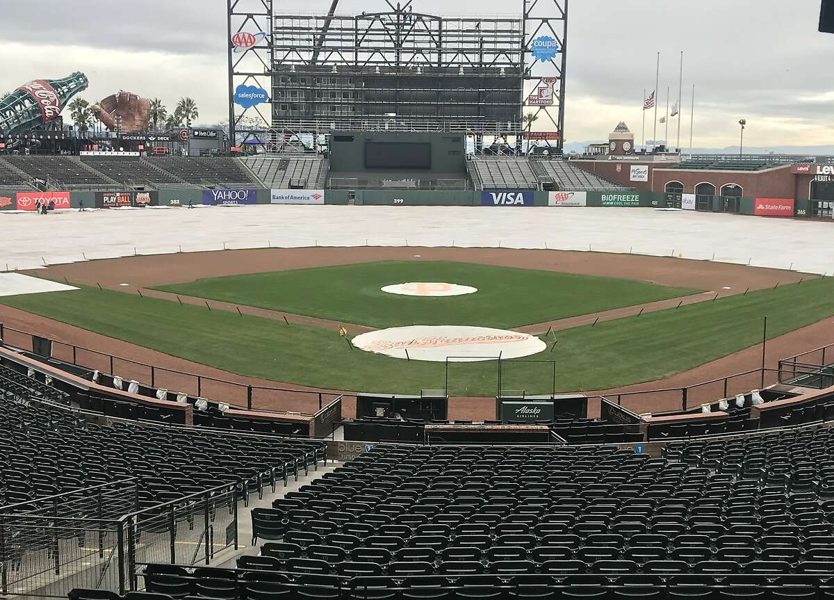 With scoreboard construction underway, the Giants are preparing to host their fans in Saturday's annual FanFest.