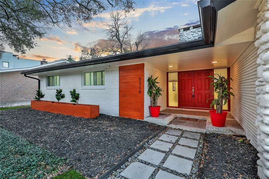 >>>Take a look at Houston homes that maintain their midcentury-modern flair. Photo: Houston Association Of Realtors