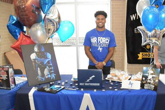 Tomball Memorial student-athlete Jorden Gidrey signed to continue his education and football career at the Air Force Academy on National Signing Day, Feb. 6.