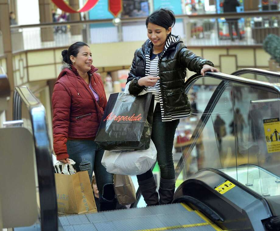 Shoppers at Danbury Fair Mall in 2016 in Danbury, Conn. The mall saw increases both in retail receipts and retail tenancies in 2018, despite ongoing uncertainty for Sears which operates a department store at the mall. Photo: Carol Kaliff / Hearst Connecticut Media / The News-Times
