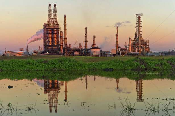 A Citgo oil refinery stands in Corpus Christi, Texas, on Thursday, Jan. 7, 2016. MUST CREDIT: Bloomberg photo by Eddie Seal.