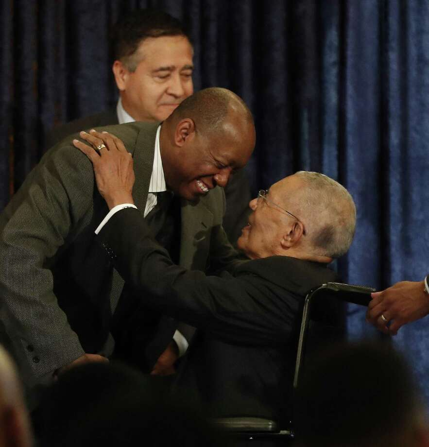 Mayor Sylvester Turner greets honoree the Rev. William Lawson during the Mayor's second annual History Makers Awards at the Houstonian Hotel, Friday, Feb. 8, 2019, in Houston. Photo: Karen Warren, Houston Chronicle / Staff Photographer / © 2019 Houston Chronicle