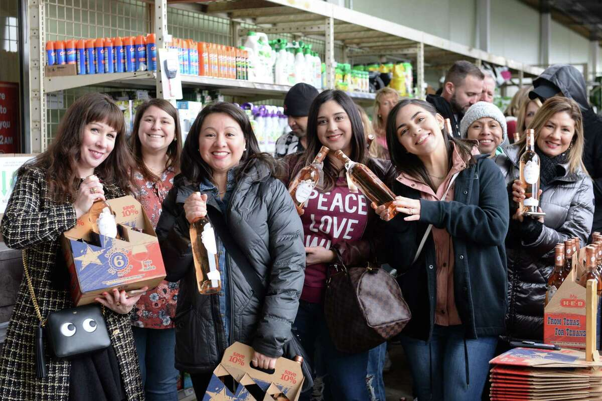 Fans of Lisa Vanderpump wait in line for an autograph at the Grand Parkway H-E-B in Katy, on Saturday, February 9, 2019.