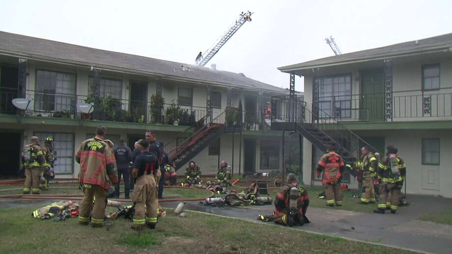HFD firefighters battle blaze at apartments at S.Post Oak and Willowbend Photo: Metro Video Services
