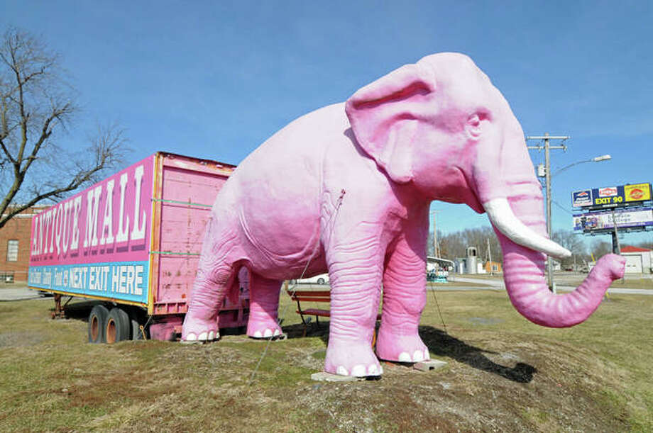 The Pink Elephant Antique Mall's namesake sculpture beckons I-55 motorists. Photo: David Blanchette | For The Telegraph