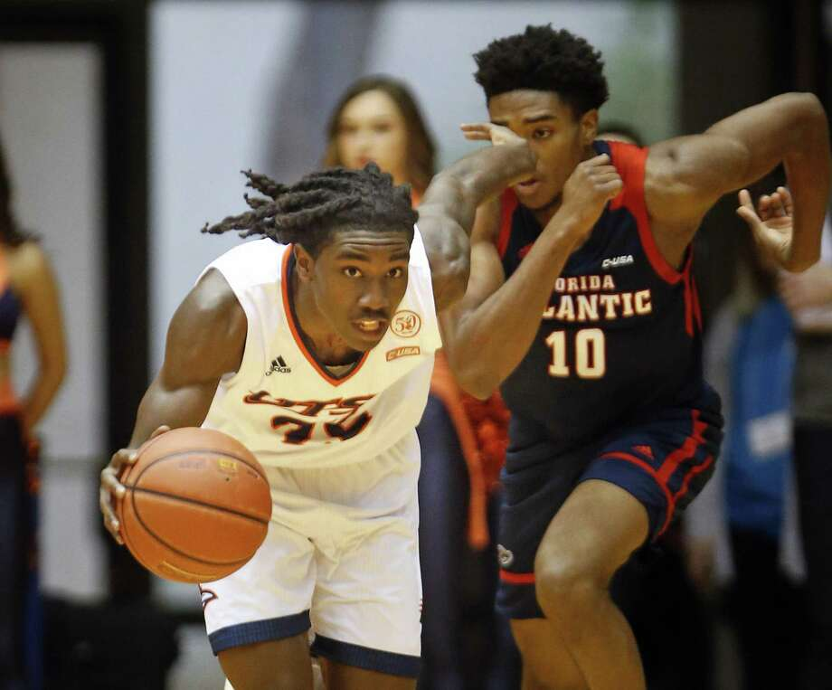 UTSA's Keaton Wallace pushes the ball downcourt. UTSA v FAU on Saturday, February 0, 2019. Photo: Ronald Cortes /Contributor / 2019 Ronald Cortes