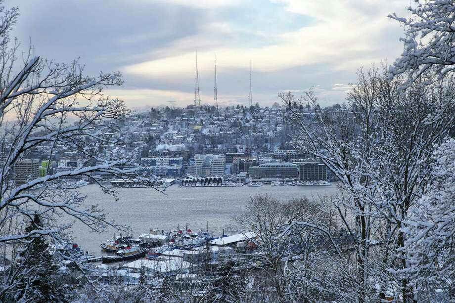 Queen Anne is blanketed in snow after the city got up to eight inches in some areas over Friday night and Saturday, Feb. 9, 2019. Photo: Genna Martin, Seattlepi.com / SeattlePI
